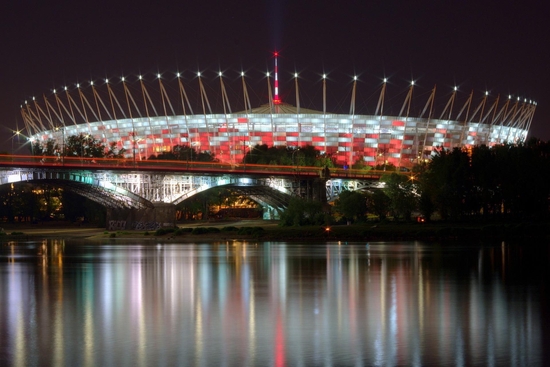 Widok na stadion nocą