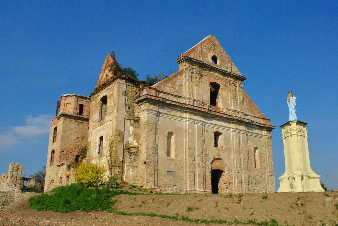 klasztor w Zagórzy ruiny